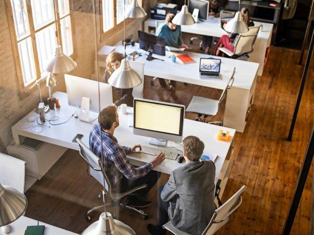 Razvoj digitalnega delovnega okolja – Office Insights 2018